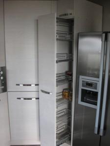 """Кухня """"Класика"""" - Шкаф на плъзгач Цена ... лв."""